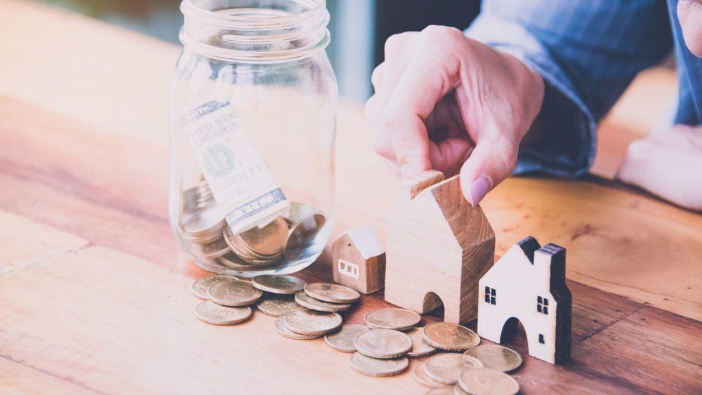 資産形成と資産運用の違いとは?リスクとコストを踏まえて自分で判断を